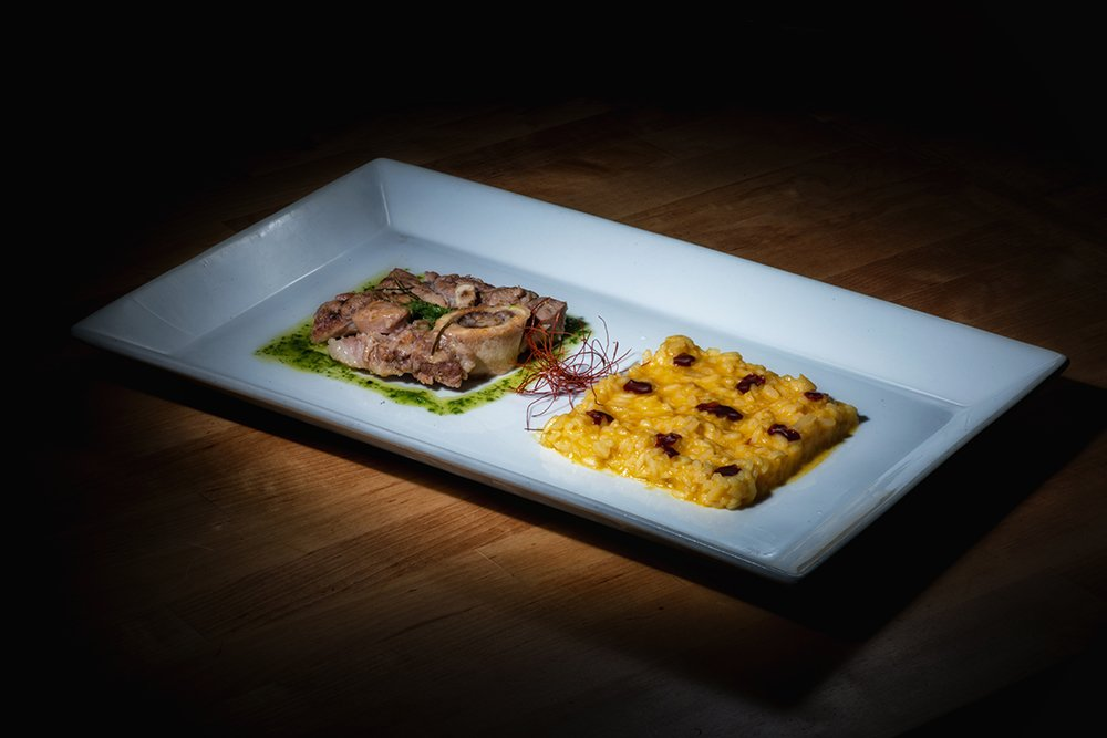 trattoria-madonnina-studiogabriotomelleri-Ossobuco e risotto giallo