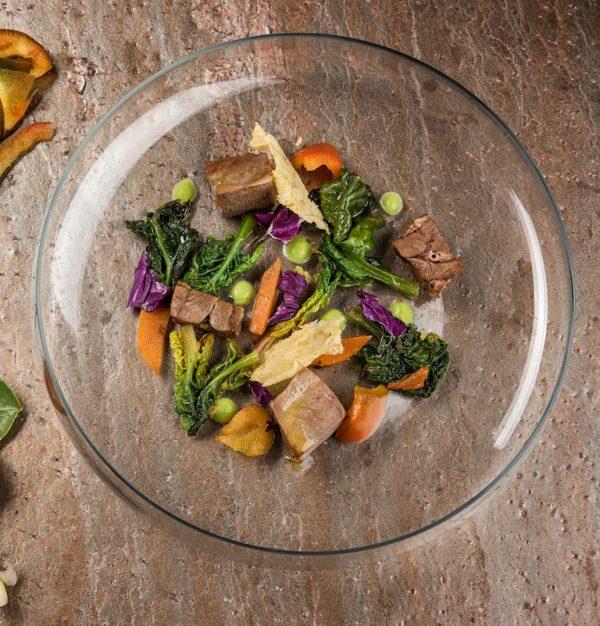 Lingua in insalata con purea di piselli 1