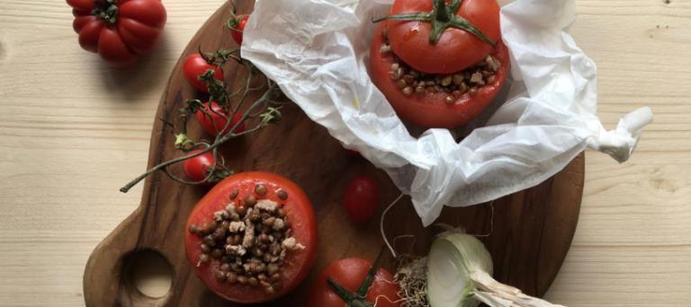 Pomodori ripieni con carne di vitello aromatizzati alla paprika affumicata