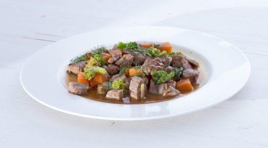Spezzatino di vitello la ricetta veloce di Igles Corelli