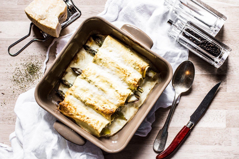 Cannelloni con asparagi e ragu veloce di vitello