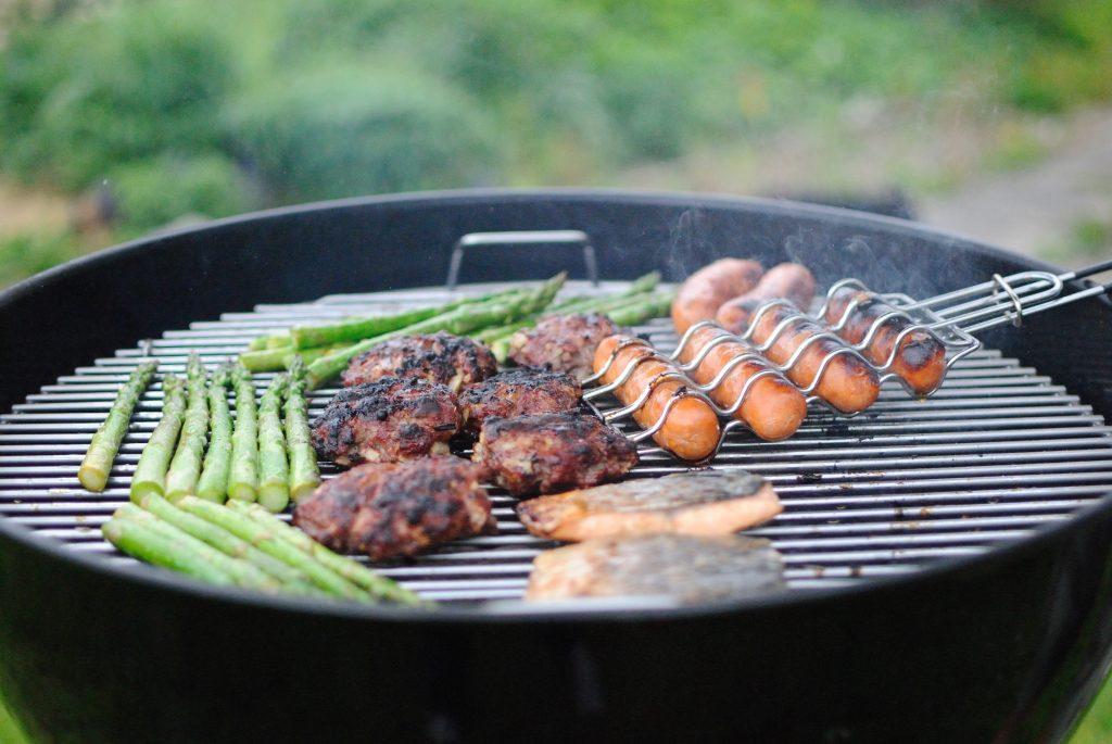 Come pulire la griglia barbecue