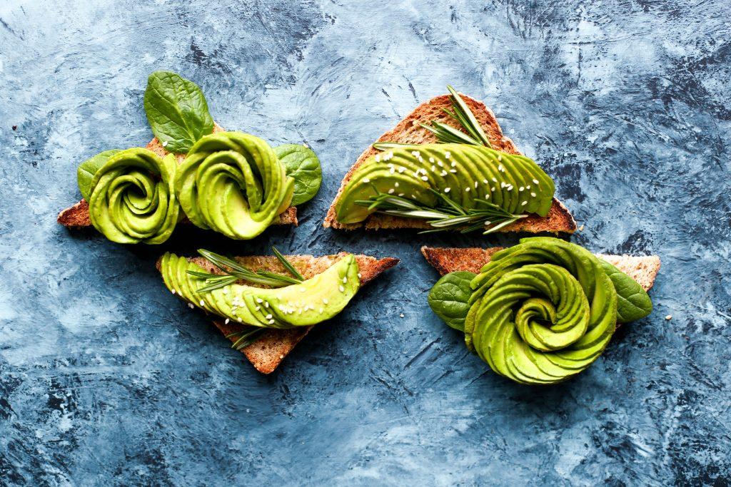 come-si-mangia-l-avocado-crudo