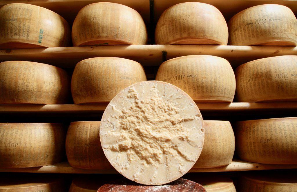 Parmigiano Reggiano come riconoscerlo, gustarlo e abbinarlo per le ricette1