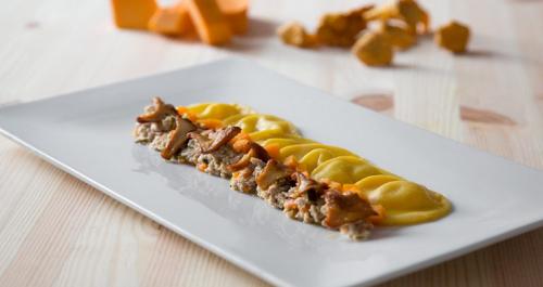 ravioli-autunnali-ristretto-vitello-zucca-finferli