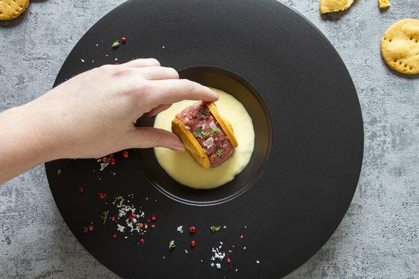 Frolla salata con battuta di vitello