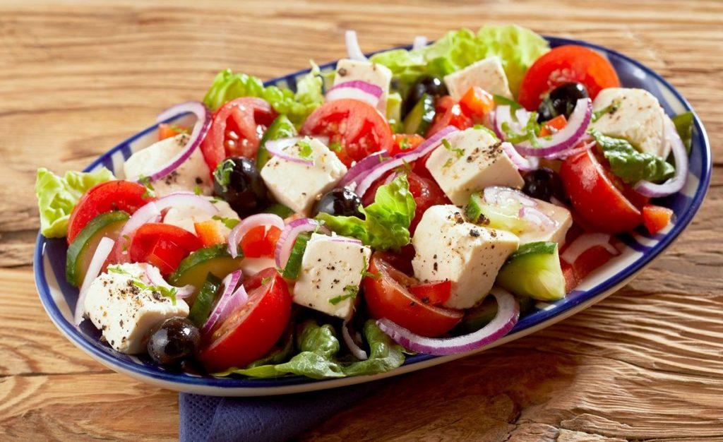 piatti-tipici-greci-insalata
