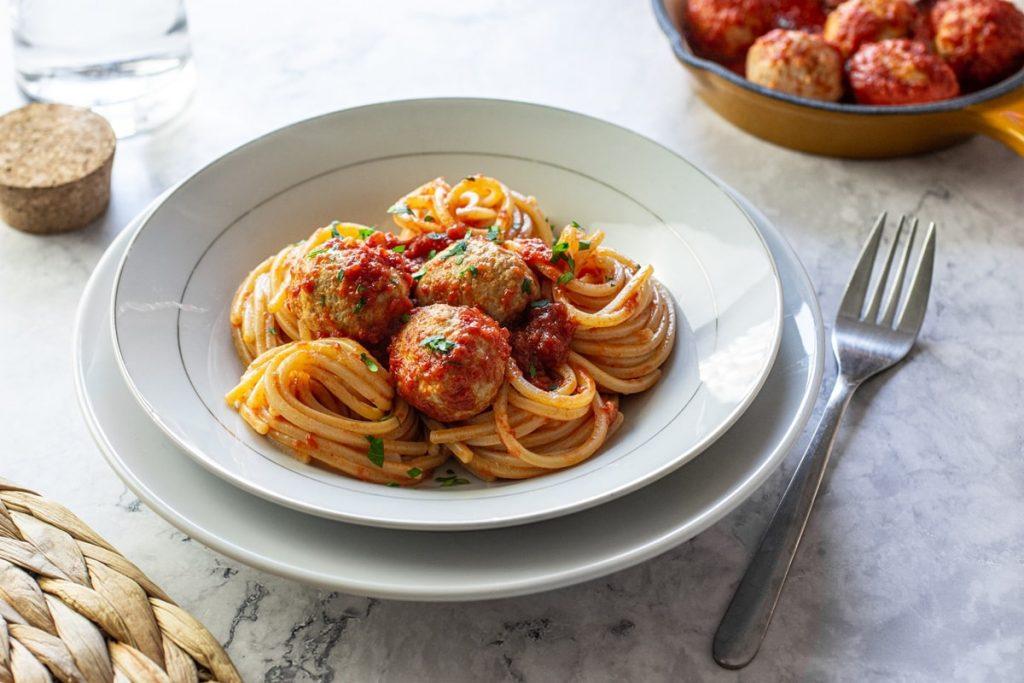 spaghetti-con-pallotte-di-carne